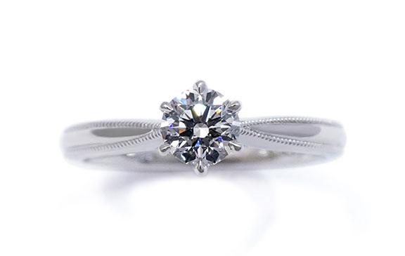 ミル打ち&6本爪のクラシックスタイル婚約指輪