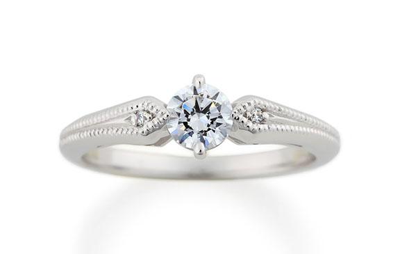 ダイヤとミル打ちが清楚に輝く婚約指輪