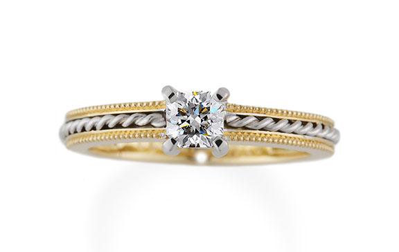 手編みロープとスクエアダイヤの婚約指輪