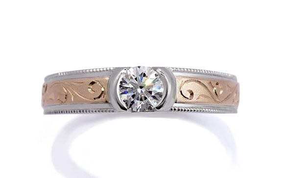 ダイヤを埋め込み華やかに装飾した婚約指輪