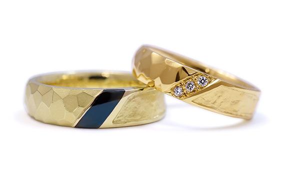 ハンマー模様と和紙、赤銅の結婚指輪
