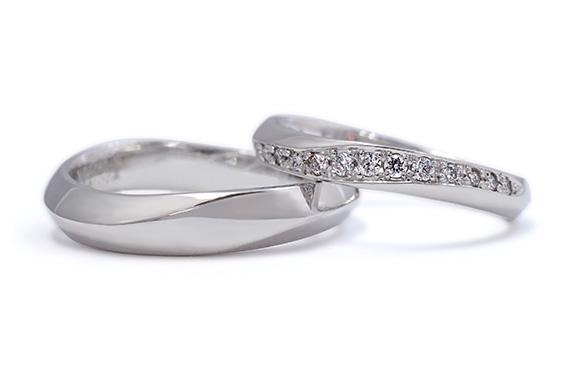 ダイアモンドが流れるように輝く結婚指輪 Cécile