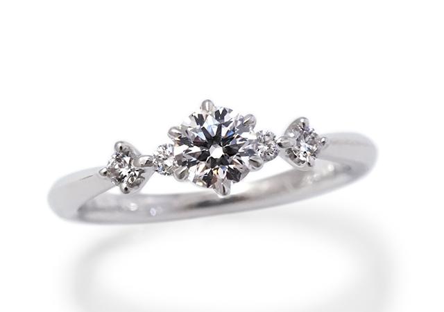 T様 (Pt ダイヤが一列に輝く結婚指輪とセットリング)