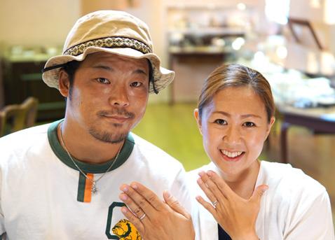 長岡秀哲・友映子様 (桜G 受け継いだダイヤを使った桜ゴールド婚約指輪&セットリング)