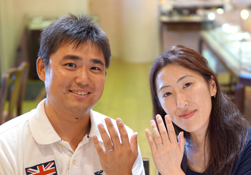 S様 (Pt シャープなVラインと誕生石の結婚指輪)