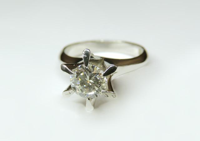 S様 (Pt 1カラット大粒のダイヤリングを婚約指輪にリフォーム)