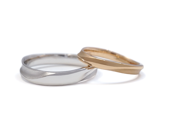 S様 (PG/Pt 美しく絞ったウェーブの結婚指輪)