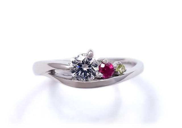 S様 (Pt 誕生石とダイヤの婚約指輪)