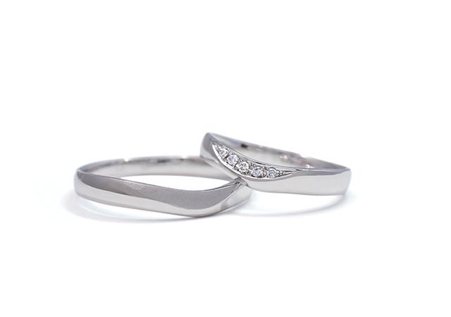 Y様 (Pt Vデザインのアシンメトリーな結婚指輪)
