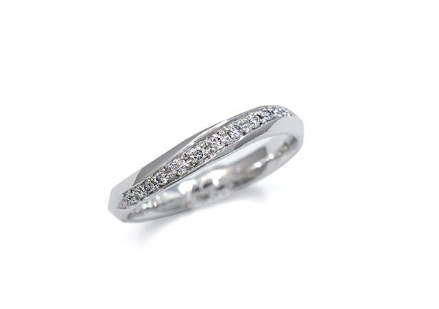 W様 (Pt 銀河のようにダイヤをセットした婚約指輪)