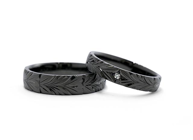 N様 (Pt 彫刻とブラックコーティングの結婚指輪)