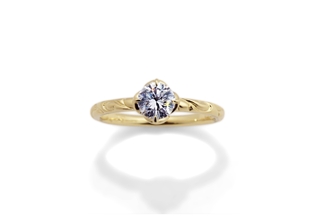 M様 (YG お預かりダイアモンドで唐草模様の婚約指輪)