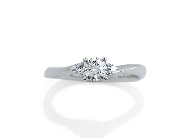 M様 (Pt ウェーブ&メレダイヤの婚約指輪)