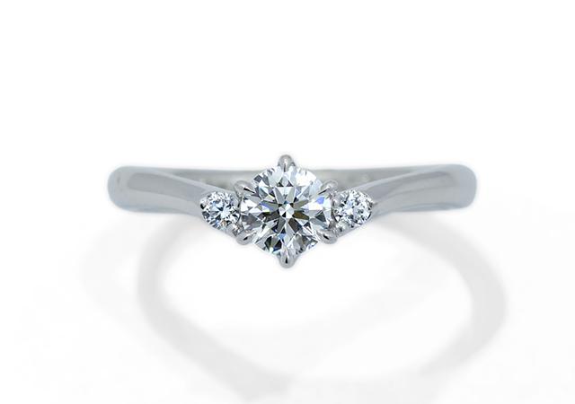 F様 (Pt Vを描く婚約指輪)