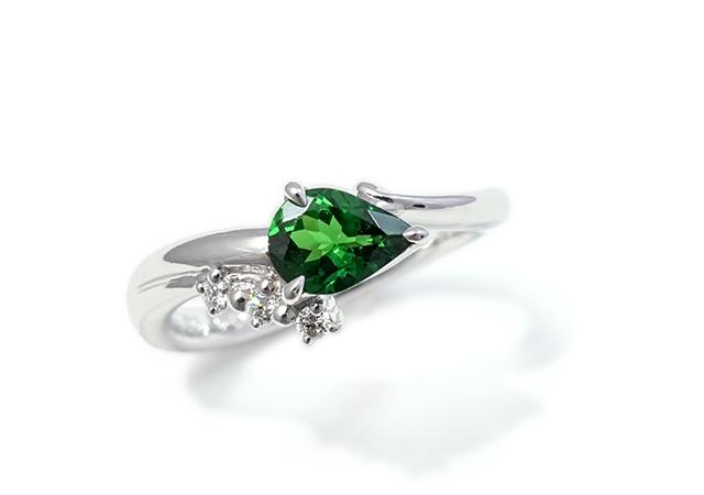 N様 (Pt お持ちのグリーンガーネットで作る婚約指輪)