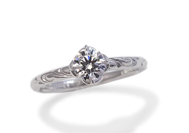 A様 (Pt 細身リングに彫刻が輝く婚約指輪)