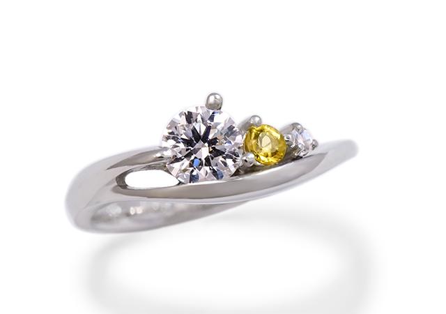 T様 (Pt ダイヤと誕生石、お好きなカラーを添えた婚約指輪)